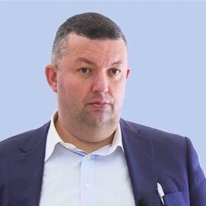 Игра мускулов в ЗакСе: как парламент Петербурга оппонирует исполнительной власти
