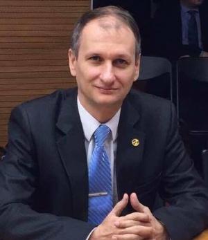 Отставка вице-губернатора ХМАО по экономике: Комарова обезопасила себя перед выборами