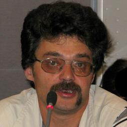 Главным подарком московских властей к юбилею Арбата могло бы стать наведение порядка в строительных проектах
